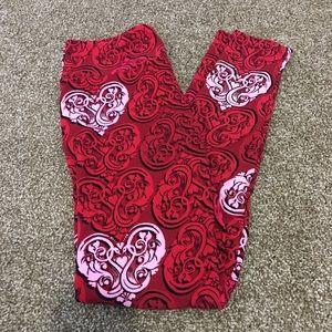 LuLaRoe heart leggings.